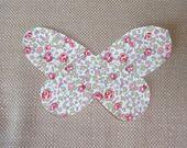 1 applique papillon thermocollante (à appliquer fer) en liberty Eloise : Déco, Customisation Textile par lilouetpuce