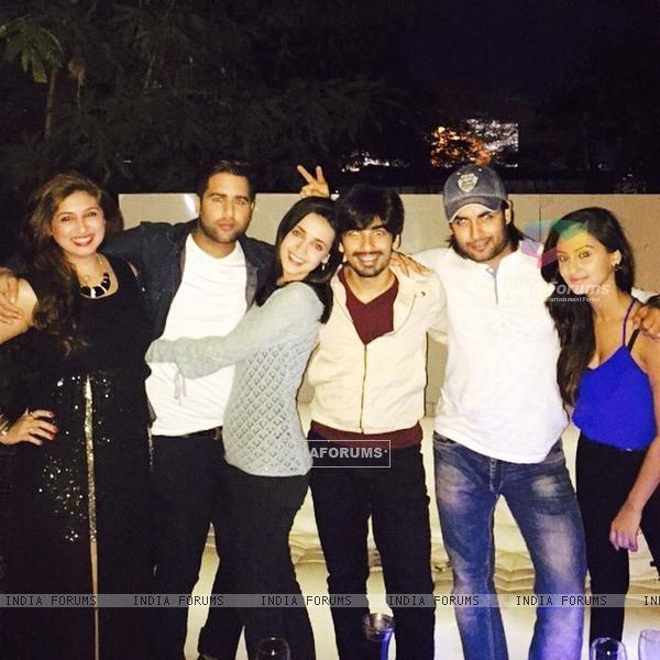 Vivian Dsena with Sanaya Irani, Vahbbiz Dorabjee Dsena and Mohit Sehgal