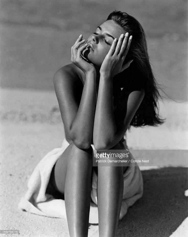 News Photo : Model, Paulina Porizkova, with nude torso,...