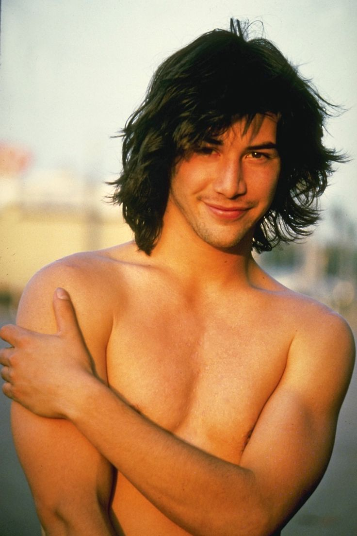 21 Haircuts Worth Borrowing From the Boys — Keanu Reeves