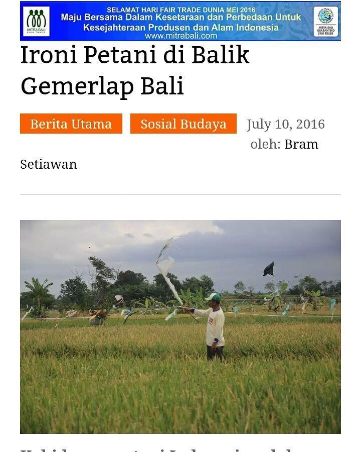 """yey. selamat salah satu penulis di @balebengong.net @bram setiawan yg memenangkan kritik film """"petani terakhir"""" di @denpasarfilmfestival 2016.  ayooo siapa saja bisa menulis genre apa saja ke portal pewarta warga ini."""