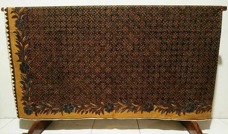 Vintage batik fabric with pakem pattern or motif. Batik fabric design is very varied. Such as traditional and modern Batik. It is not only that. By developing of Batik nowadays, there are many designers who create their own Batik model. It also occurred in many countries in the world.  For order and information contact +6282265652222. Please use WhatsApp to get a fast response from us.