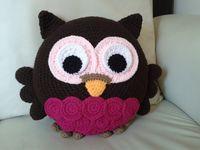 Compartir Publicar en Twitter + 1 Correo electrónico Cojín búho muy original tejido a crochet. Misma técnica de amigurumi. Fácil de hacer. Este es ...