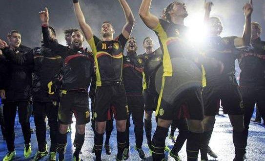 La selección de Bélgica aseguró su presencia en el Mundial de Brasil 2014 tras vencer a Croacia en el estadio Maksimir de Zagreb por 1-2, en el encuentro de la novena jornada del Grupo A.