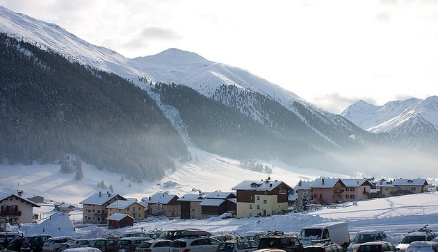 cheap ski holidays - the best destinations. photo taken from Livigno, Italy.
