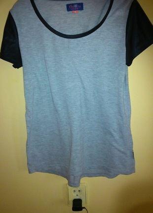 Kup mój przedmiot na #vintedpl http://www.vinted.pl/damska-odziez/bluzki-z-krotkimi-rekawami/10179929-szara-koszulka-z-elementami-czarnej-skory