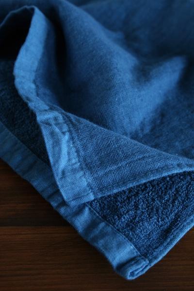 正藍染めガーゼ&パイルタオル 33×42(ウォッシュ): 1,575円・33×92(フェース): 3,150円・65×130(バス): 6,300円