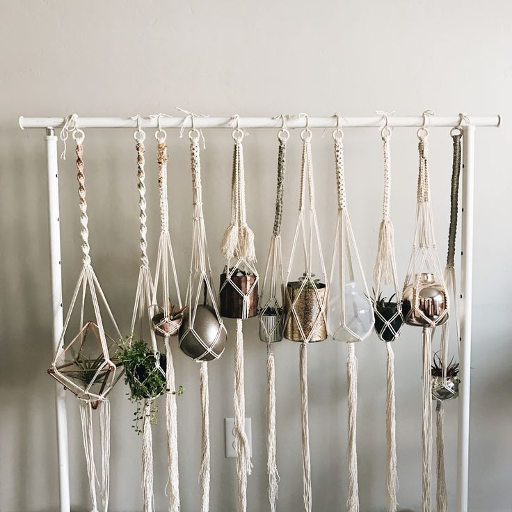 Macrame plant hangers by artist Bonfire Heart (@bonfireheart.co)