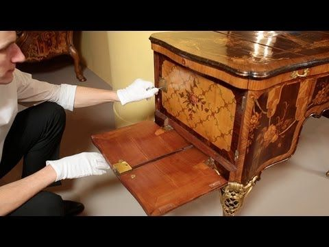 Demonstration of the Roentgens' Dressing Table (Poudreuse) - YouTube
