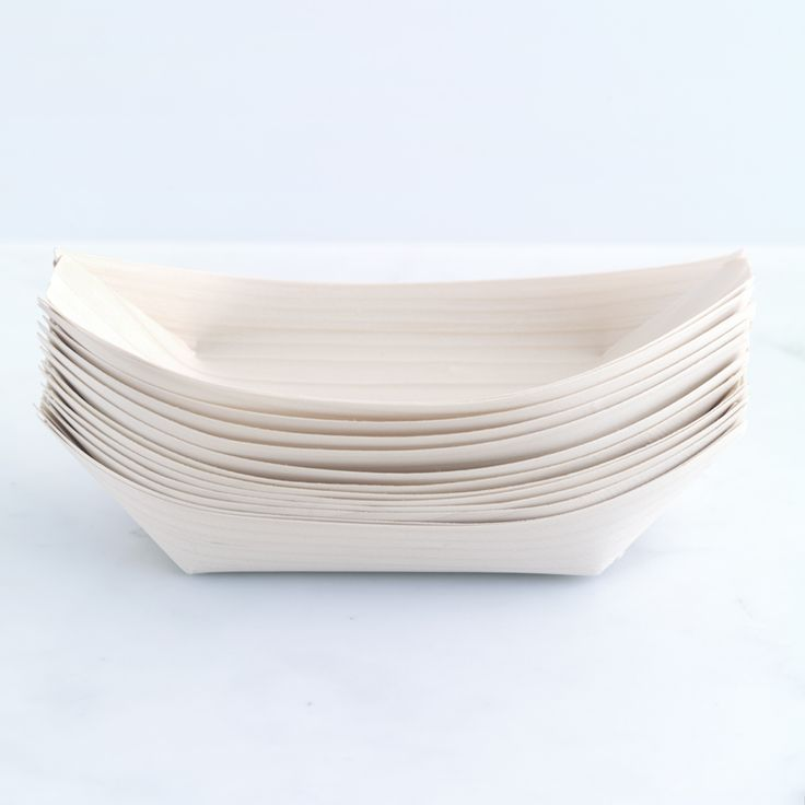 Disposable wooden boat dish for stylish parties (large).