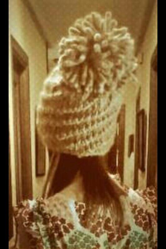 Gorro cupcake con pompón gigante