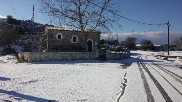EPIRUS TV NEWS: Στα λευκά ..περιοχές και στη Λευκάδα