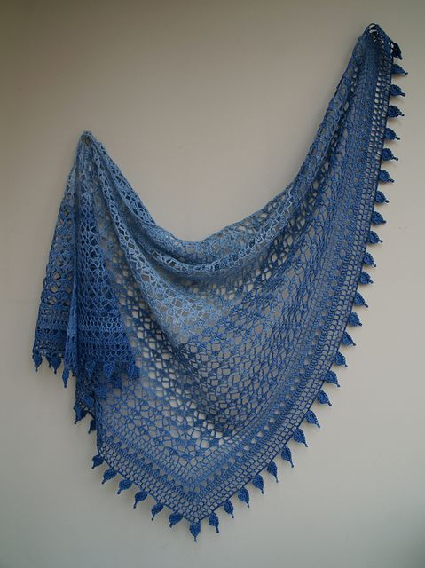 £4 - Armorique is a triangular shawl, worked from the top center outwards, and finished off with a large border. For the final edging, the designer gives you the choice between pretty scallops and lovely leaves.