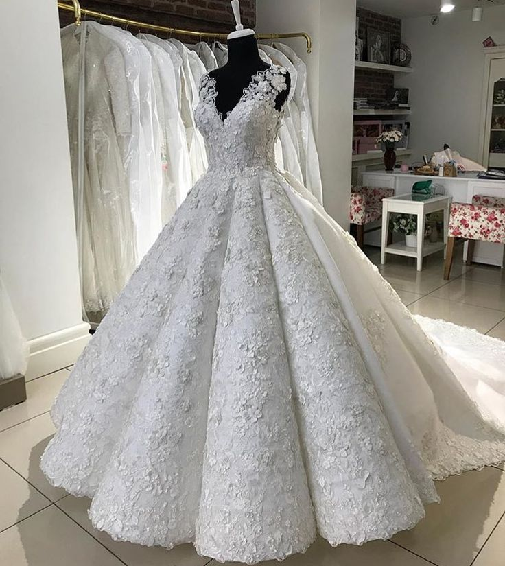 3843 besten custom wedding dresses available from darius for Haute couture price range