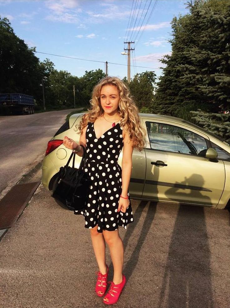 nice Женские стрижки на вьющиеся волосы (50 фото) — Модные идеи для средних и длинных локонов Читай больше http://avrorra.com/zhenskie-strizhki-na-vjushhiesja-volosy-foto/