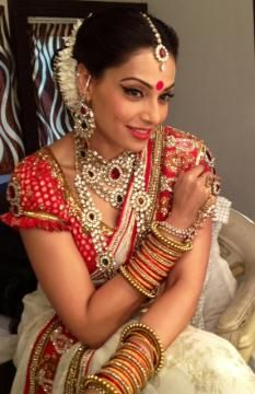 bipasha in traditional Bengali look. need this type of blouse for the Holud.