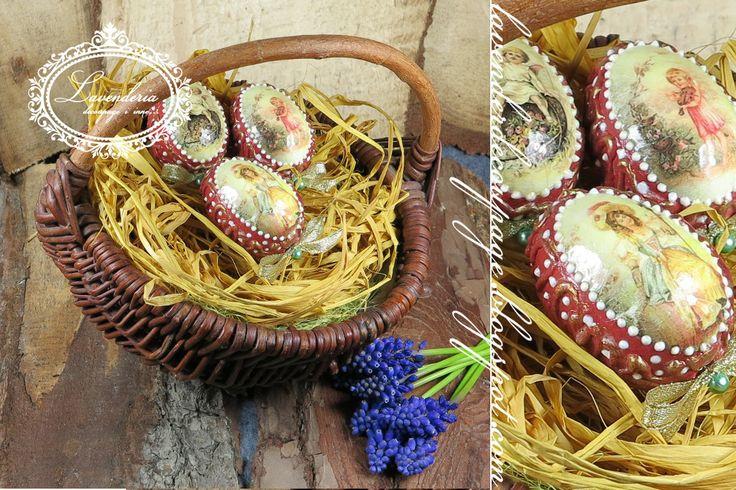 Wielkanocne,rustykalne jajka w koszyczku