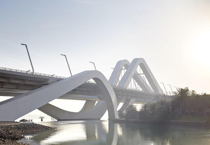 Sheikh Zayed Bridge/Architect Zaha Hadid Architects/Abu Dhabi - United Arab Emirates