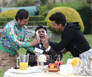 Yes! You read it absolutely right. Sajid Khan has been shooting for the much awaited laugh riot HUMSHAKALS in the beautiful locales of London. : http://sholoanabangaliana.in/blog/2014/05/08/new-bollywood-comedy-movie-humshakals-stars-saif-and-ritesh-play-butter-prank-on-ram-kapoor/#ixzz31EVC624Z