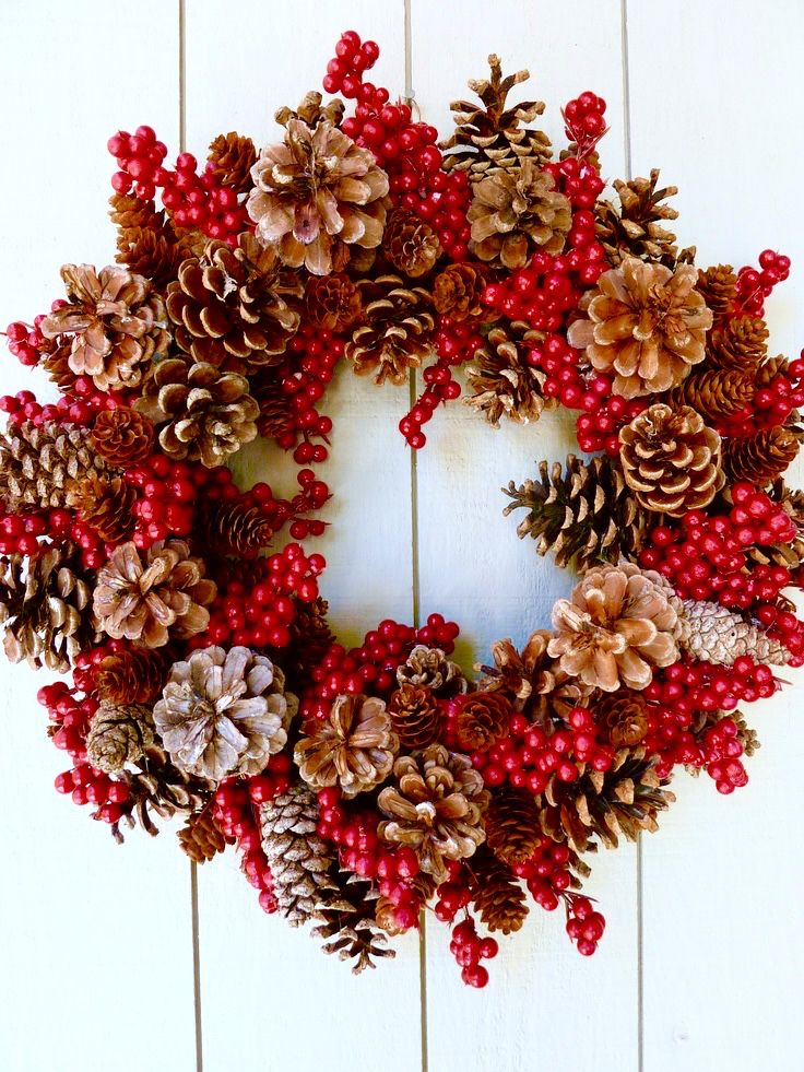 Outdoor Christmas Garland Decorating Ideas