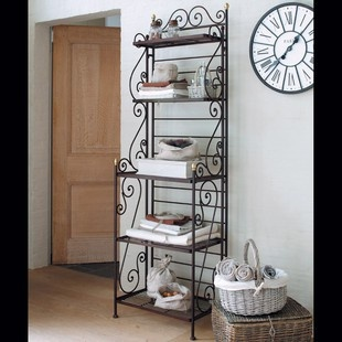 I like wrought iron shelving units.  Ferforje raf uniteleri kullanisli olabilir.