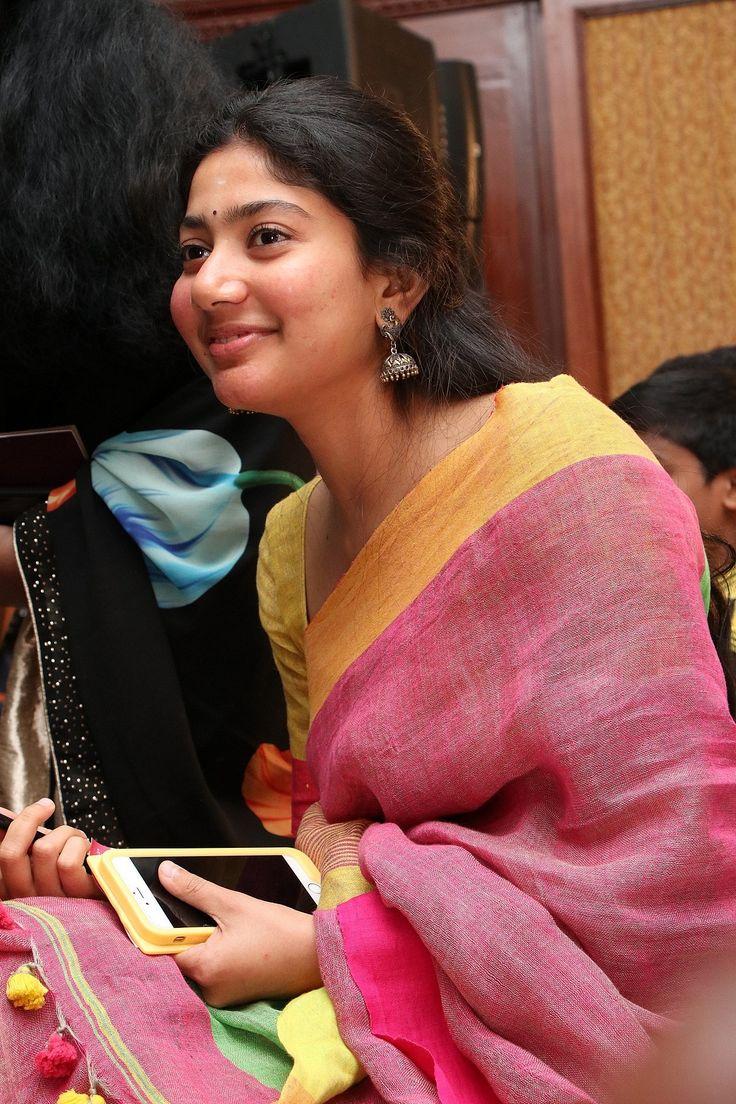 Bollywood Actress SaiPallavi HotPhotos MakeUp