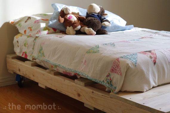 diy pallet toddler bed, pallet bed, diy toddler bed: Pallet Beds, Kids Bedrooms, Kids Pallets Beds, Diy Beds, Diy Toddlers, Kids Rooms, Diy Pallets, Crafts, Pallets Toddlers Beds