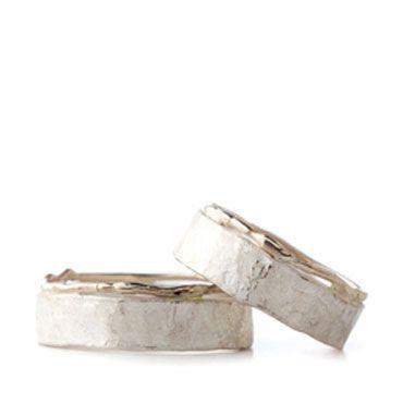 Zilveren trouwringen met detail in wit goud | Wim Meeussen Goudsmederij Antwerpen