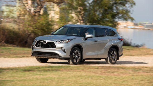 Toyota Bringt Den Highlander Nach Europa In 2020 Toyota Bmw Isetta Land Cruiser