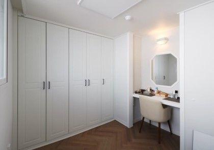 작은집 인테리어 꾸미기 두번째 침실 그리고 작은방 욕실 겨울 그리고 여름 현재 사진 조명 예쁘다는 말 많...