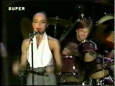 Sade Live in Concert London, England  14:57 the perfection starts