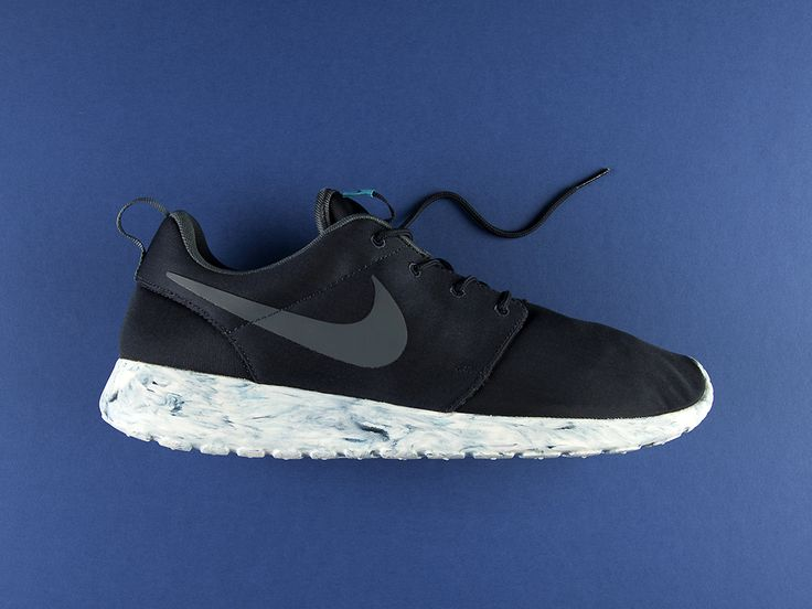 An Exclusive Look at the Nike Roshe Run QS