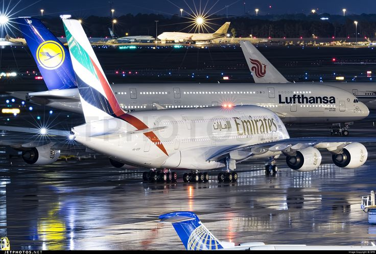 Airbus A380-861 A6-EEP 138 Houston George Bush Intercontinental Airport - KIAH
