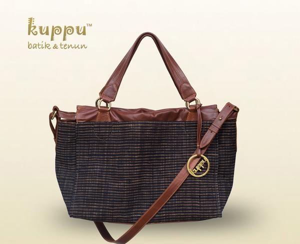 DISC 10% s/d 21 JUNI 2017 + free 1SYAL TENUN GEDOG TUBAN  CAMILLA TUBAN LURIK BAG  by: Kuppu Batik & Tenun  3.300.000,00  A beautiful Lurik batik tenun gedog (handwoven threads then hand drawn) from Tuban, East Java Indonesia - Chestnut brown Italian genuine cow leather - Medium size 35x27x12cm (LxHxW) - Eco-suede fabric lining - Top zip closure - With long straps - With Kuppu handbag tag - Weight: 0.8 kg  www.kuppubatiktenun.com #tas #batik #tenun #handbag #lurik