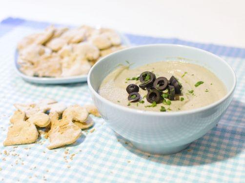 Crema de berenjenas con galletas de sésamo para #Mycook http://www.mycook.es/receta/crema-de-berenjenas-con-galletas-de-sesamo/