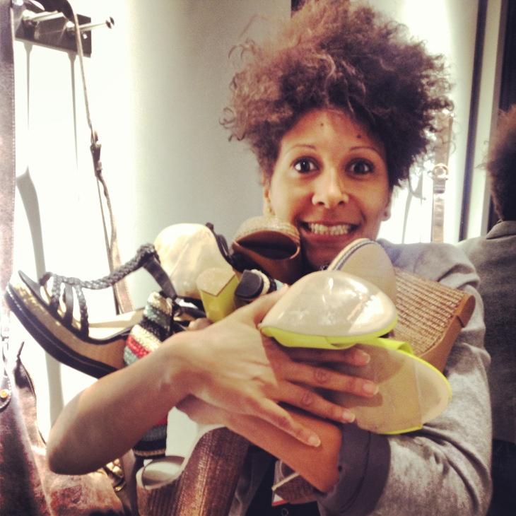 Duduyemi se va de compras para buscar el calzado de #moda de este verano! #Sandalias muy cómodas y de última tendencia by #Stradivarius #shoes #zapatos #fashion #mujer #coolhunter #estilista