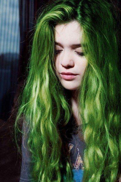 Зелёные кончики волос