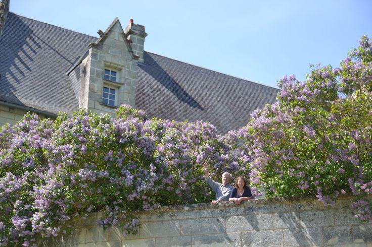 Nous vous attendons en haut du jardin suspendu