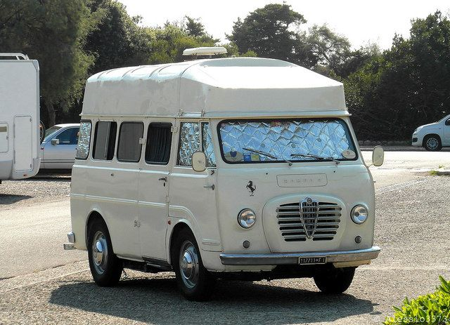 "Alfa Romeo ""Romeo 2"" Camping"
