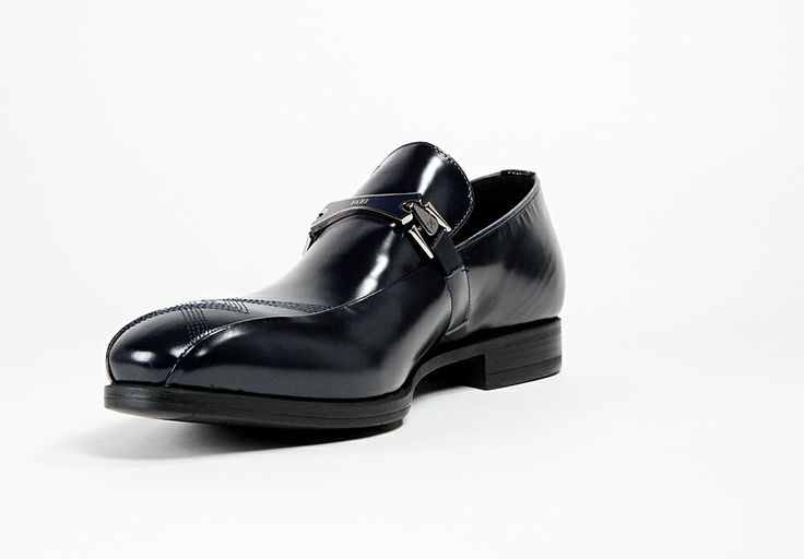 009 Fabi Men's Calf #Lather #Shoes - The Black #Saffiano calf leather by Fabi is part of the Elegance Line and is the ultimate in minimalistic style.  $ Make an Offer Online http://www.rinastore.com/009-fabi-shoes:-dark-blue/dp/5601  Made in #Italy, Available at Rina's #Boutique