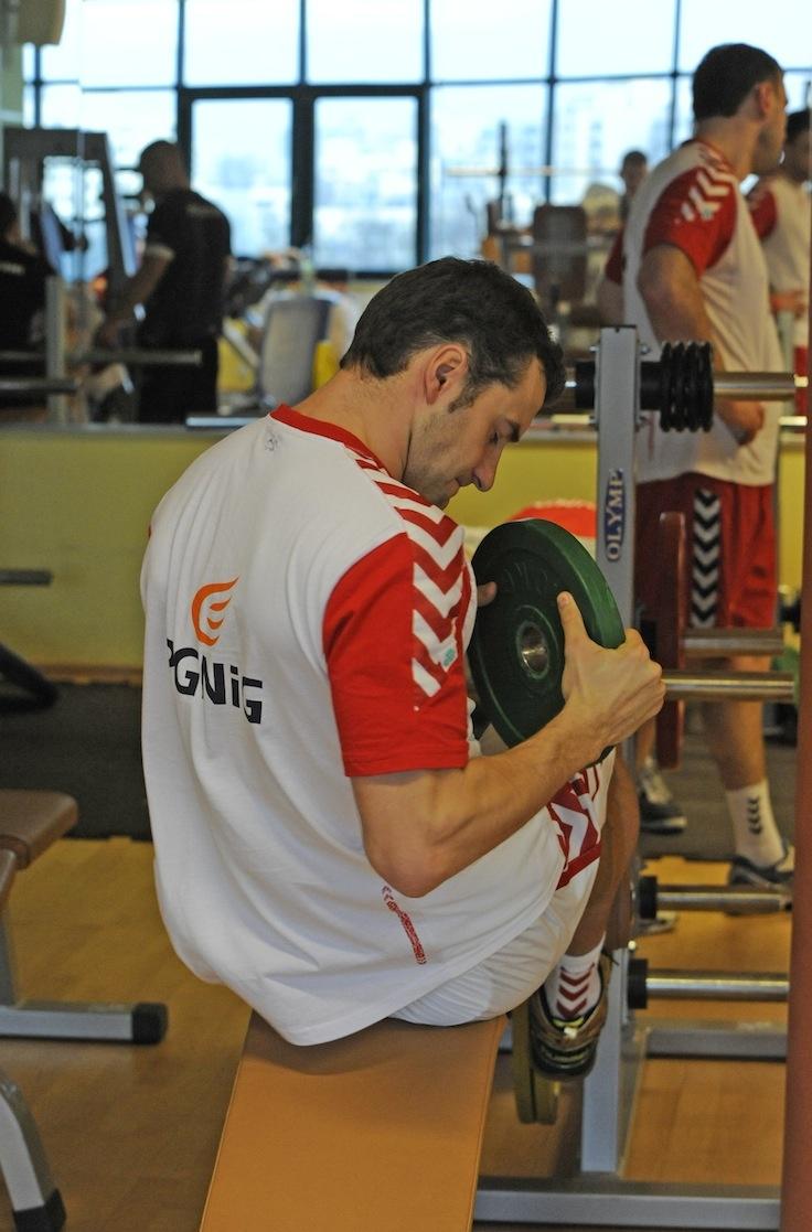 AD 2013 January – Mariusz Jurkiewicz w siłowni – trening przed New Year Cup 2013 Czechy