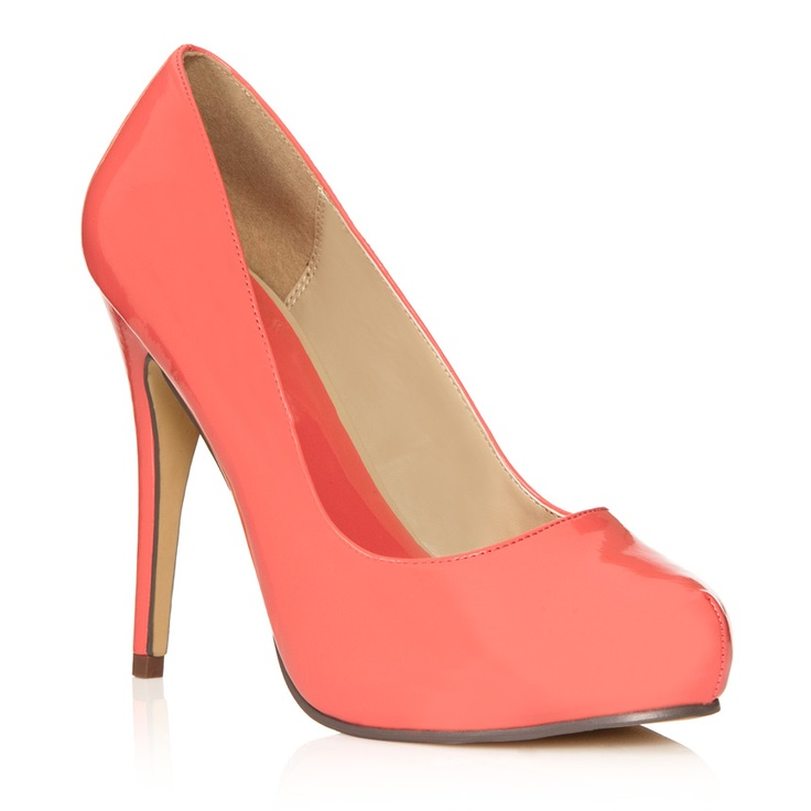 Love these coral colored heels!