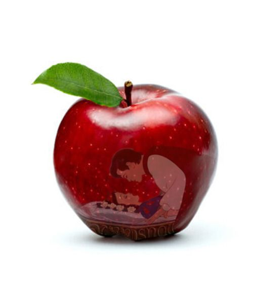 Snow White reflection in apple