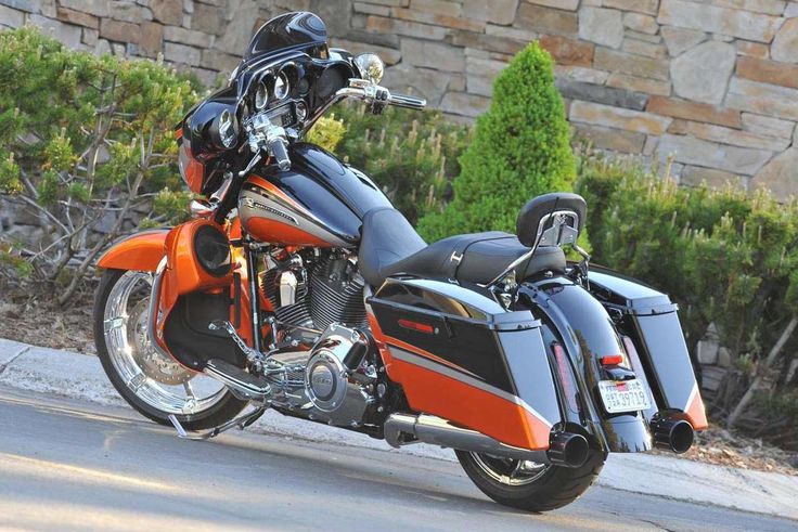2011 Harley-Davidson CVO Street Glide Official Photos