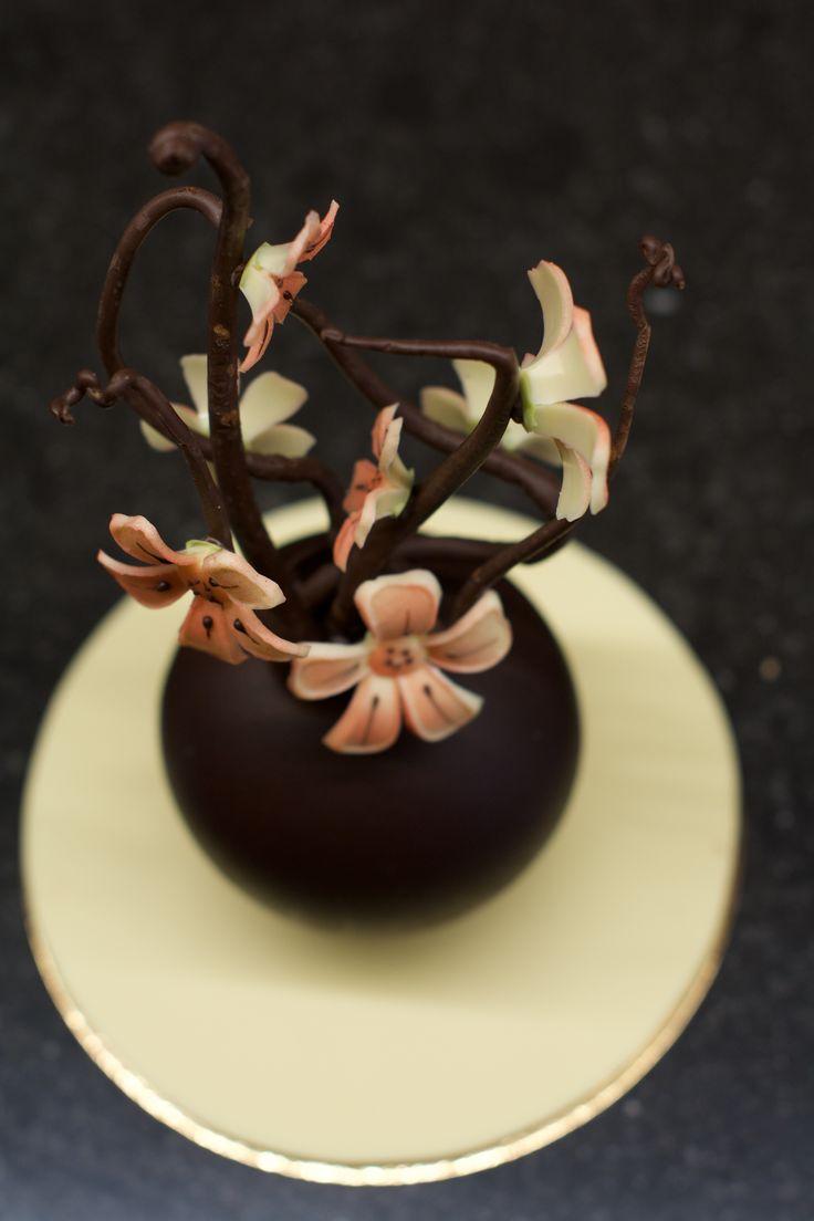 Een Valentijns bloemetje van #chocolade misschien? A Valentine´s bouquet made out of #chocolate perhaps? www.hopenstork.com
