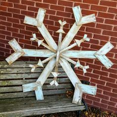 Pallet snowflake. Fun winter decor for outside, finish with glittery paint for shimmery effect.