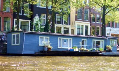 House boat 12