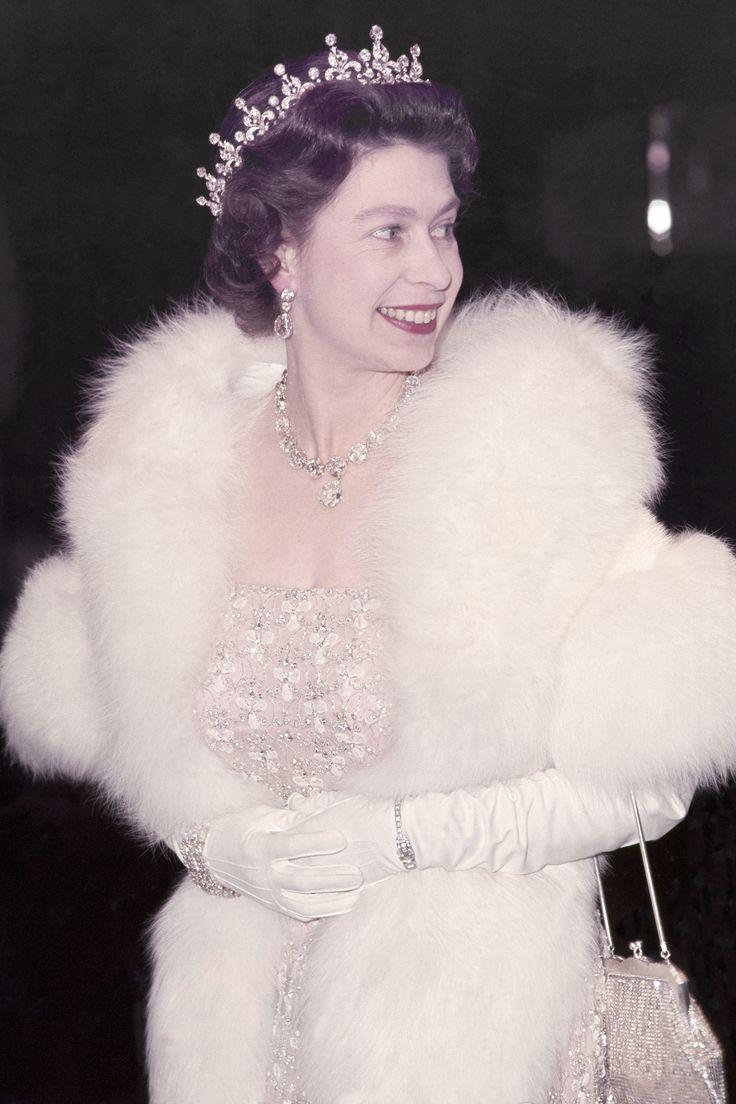 In Photos: Queen Elizabeth Through the Years  1967