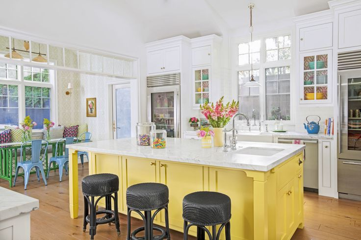 25 best ideas about tropical kitchen on pinterest green for Caribbean kitchen design ideas