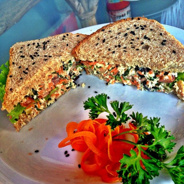 .@gabrielapugliesi | Para quem AMA sanduiche natural como eu esse aqui do @villasdetrancoso é MUI...